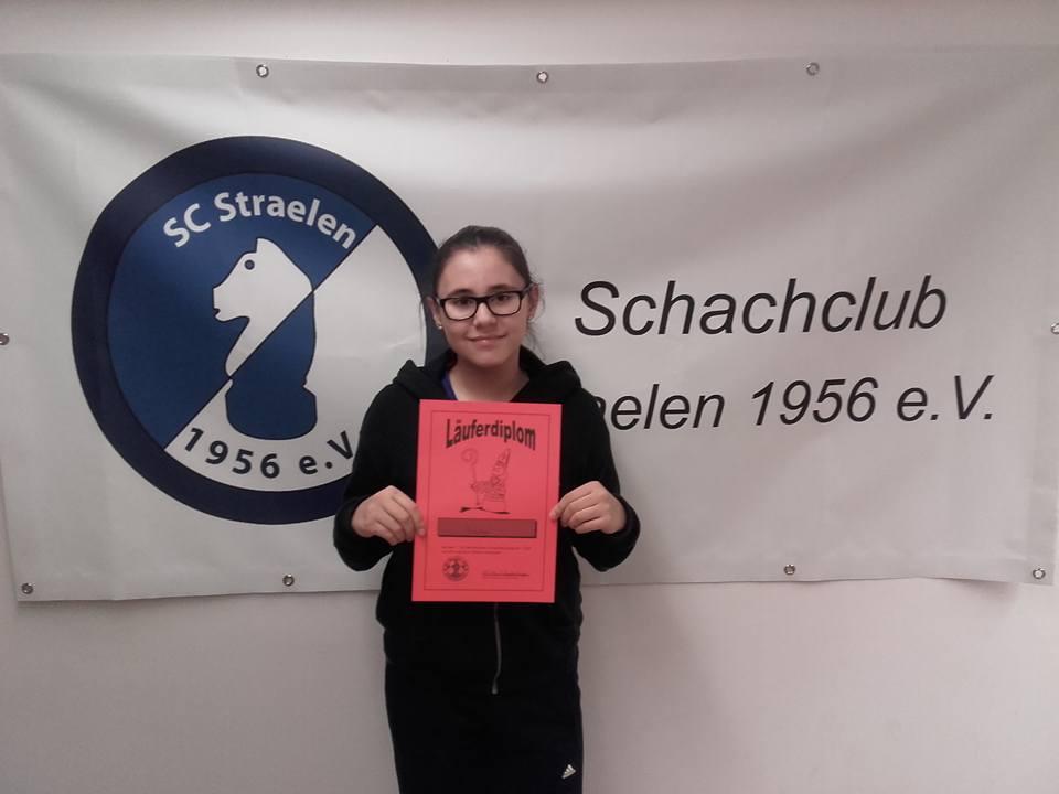 Emilia Blanck mit dem Läuferdiplom